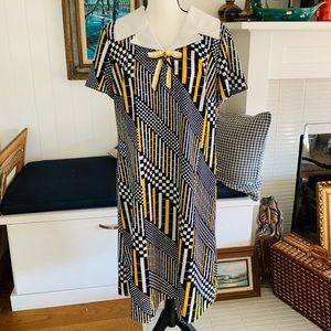 1960's Vintage Large Mary Roberts Mod Dress